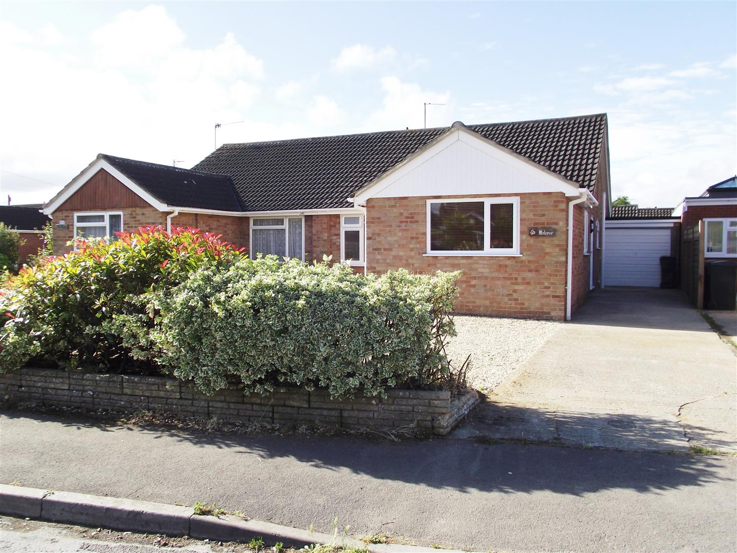 3 Bedrooms Bungalow for sale in Springfield Road, Rowde, Devizes